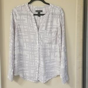 I-N-C Gray and White Blouse Size 6